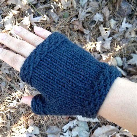 easy knit fingerless gloves easy knit fingerless gloves purl avenue