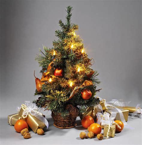 weihnachtsbaum klein mini weihnachtsbaum dekoriert kleiner weihnachtsbaum