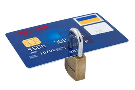how do thieves make credit cards 4 tips to protect yourself from id theft this season