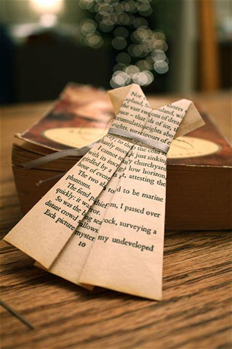 book page origami artesanato papel fa 199 a um lindo vestido origami