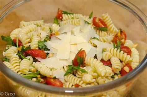 salade de p 226 tes froides aux tomates confites et roquette cook n roll