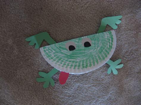 paper plate frog craft paper plate frog kiddie crafts 365