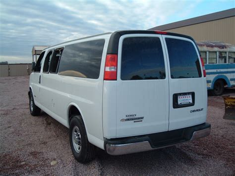 service manual how manually deflate 2005 chevrolet express 1500 suspension air bags used repair manual 2005 chevrolet express 3500 2017 chevrolet express 3500 reviews specs and