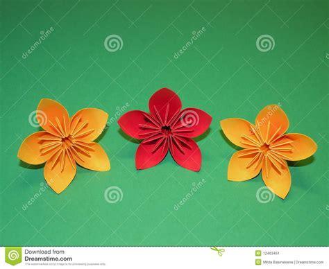 flores de origami flores de origami imagem de stock imagem 12463451