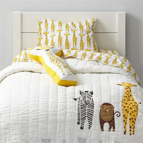 giraffe bedding savanna toddler bedding giraffe the land of nod