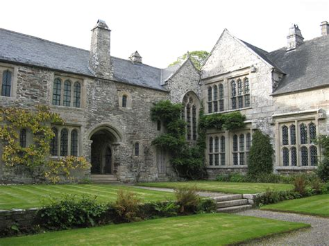 French Manor House Plans file cotehele house from courtyard jpg wikimedia commons