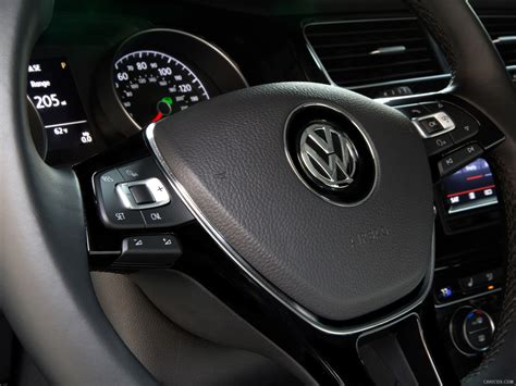 drive 2015 volkswagen golf sportwagon driving