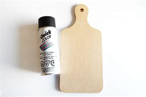 spray painting mdf board easy diy chalk board breadboard mod podge rocks