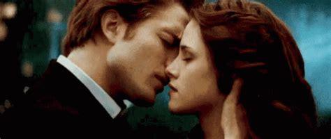 vire kisses edward cullen swan gif twilight