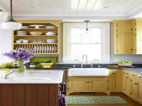 17 best ideas about small country kitchens on kitchen small country living kitchens country living