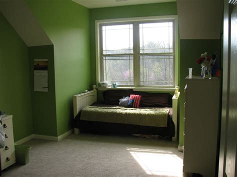 paint ideas for small bedrooms paint ideas for small bedrooms with awesome green wall
