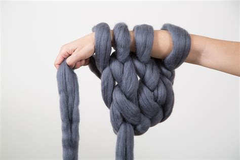 what type of yarn to use for arm knitting what means arm knitting arm knitting by vs