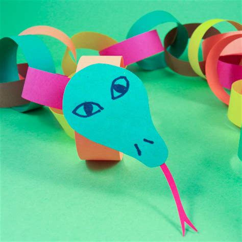 paper snake craft make a circly paper chain snake friday craft