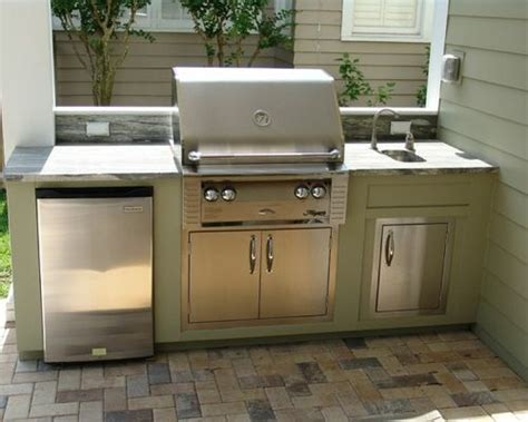outdoor kitchen ideas for small spaces small outdoor kitchen houzz