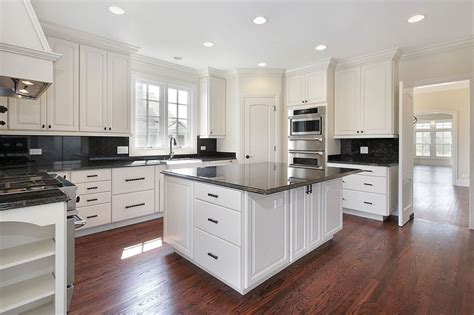 cost of painting kitchen cabinets professionally cost of refacing kitchen cabinets vs painting