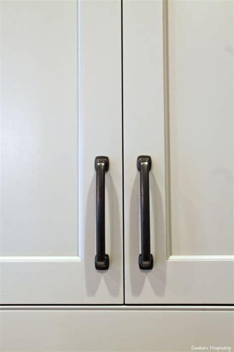 best kitchen cabinet handles best 25 kitchen cabinet pulls ideas on
