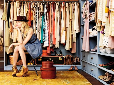 cleaning out closet 3 must tips for cleaning out your closet on cus