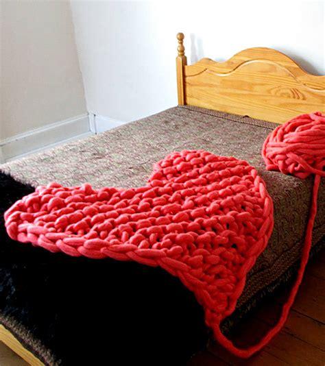 finger knitting rug arm knitting and finger knitting in the loop knitting