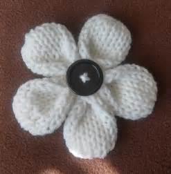 how to knit a flower five petal flower loom knit pattern one of the best loom