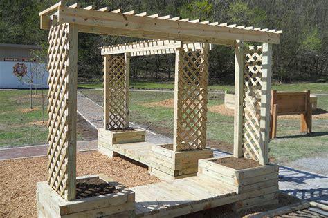 garden bench with trellis how to build a trellis planter bench kaboom
