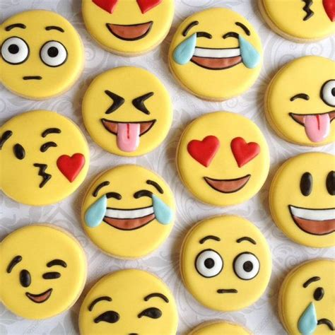 pictures of decorated sugar cookies 25 best ideas about decorated sugar cookies on