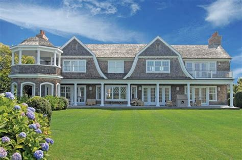 gambrel style homes gambrel rooflines shingle style feels just like home