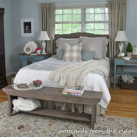 farmhouse or farm house best 25 farmhouse style bedrooms ideas on