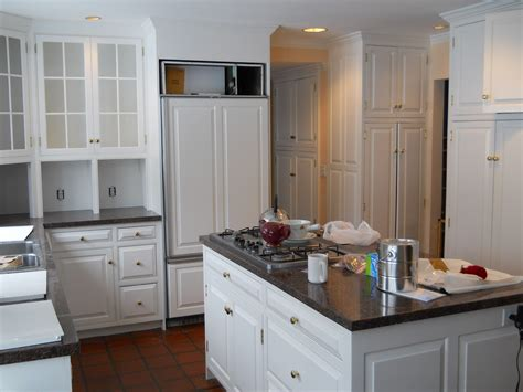 bright white kitchen cabinets ideas for painting bright kitchen cabinets ideas loversiq