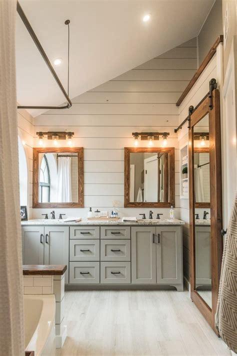 modern farmhouse interior design 17 best ideas about modern farmhouse bathroom on