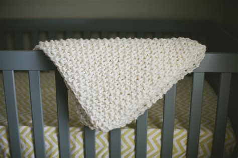 chunky knit baby blanket easy chunky knit baby blanket 187 the merrythought