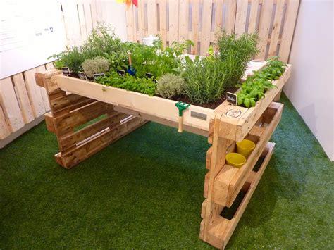 Garden Diy 187 Diy Pallet Kitchen Garden