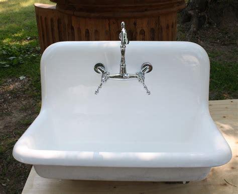 cast iron kitchen sink cast iron kitchen sinks victoriaentrelassombras