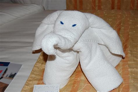 washcloth origami hotel towel origami damn cool pictures