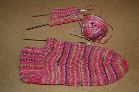 free easy sock knitting patterns easy free sock pattern catalog of patterns