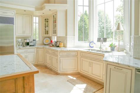 glazed kitchen cabinets colors what is cabinet glazing tucker decorative finishes