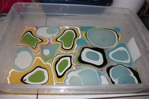 acrylic paint water marbling 17 best images about ebru painting on water on