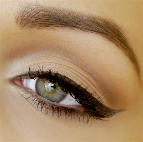 cat eye winged eyeliner tutorial cat eye liner