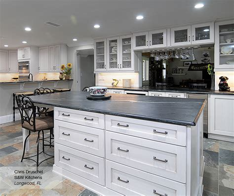 kitchen cabinets shaker style white pearl white shaker style kitchen cabinets omega