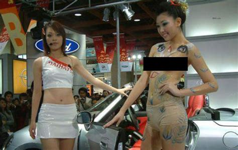 china painting show photos painting at auto shows raise eyebrows