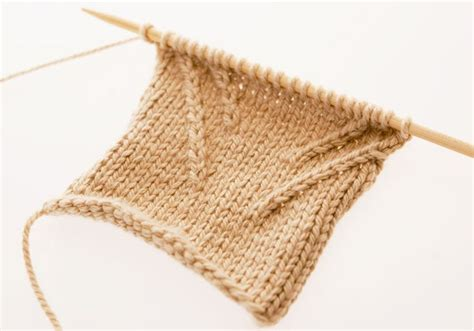 right twist knitting 1000 images about knitting crochet tutorials on