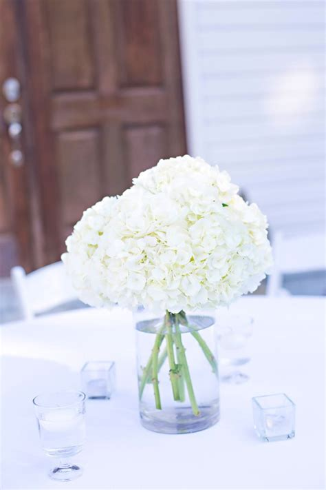 and white centerpieces best 25 white hydrangea centerpieces ideas on