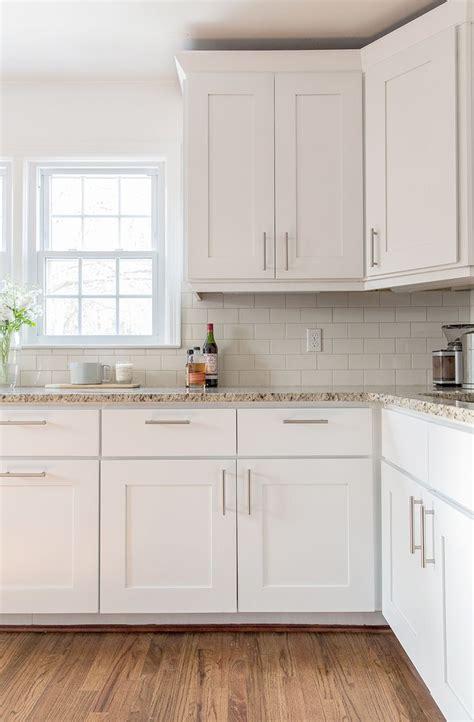 best kitchen cabinet best 25 kitchen cabinet hardware ideas on