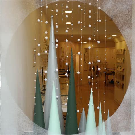snow display winter window display zakari