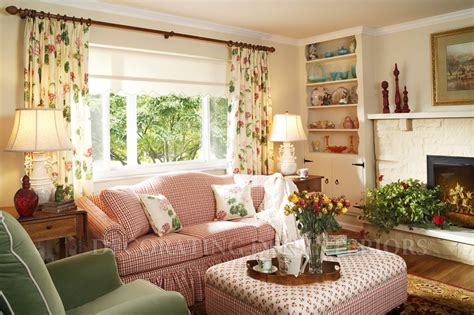 small space decorating decorating small spaces casual cottage