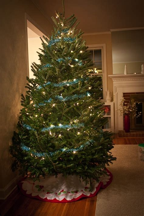 how to decorate with tinsel how to decorate a tree with tinsel 28 images the 8