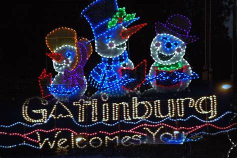lights in gatlinburg 6 reasons to spend in a gatlinburg cabin