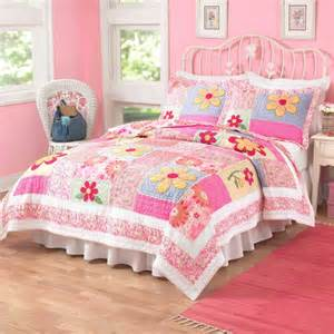 childrens bedroom bedding sets disney baby toddler bedroom with minnie mouse