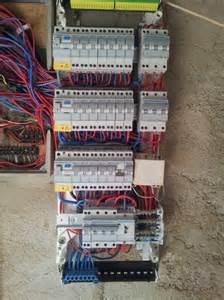 tableau electrique hager triphase maison travaux