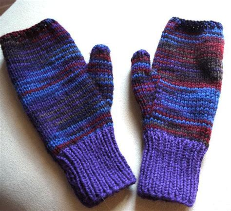 free knitting pattern for fingerless gloves on needles craftdrawer crafts free knit a pair of leaves fingerless