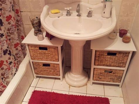 storage in a small bathroom 25 best ideas about pedestal sink bathroom on